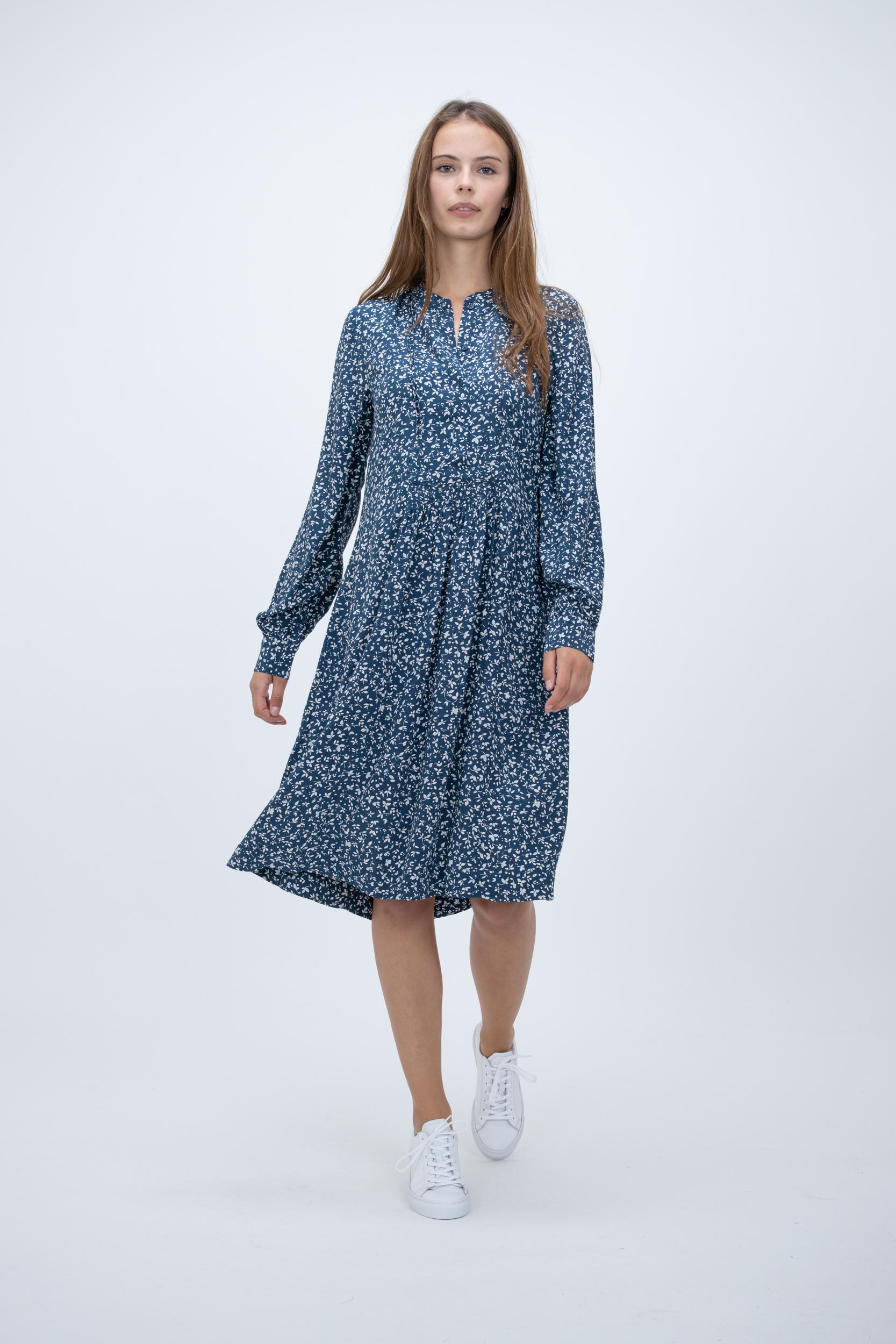 Kleid Nusa
