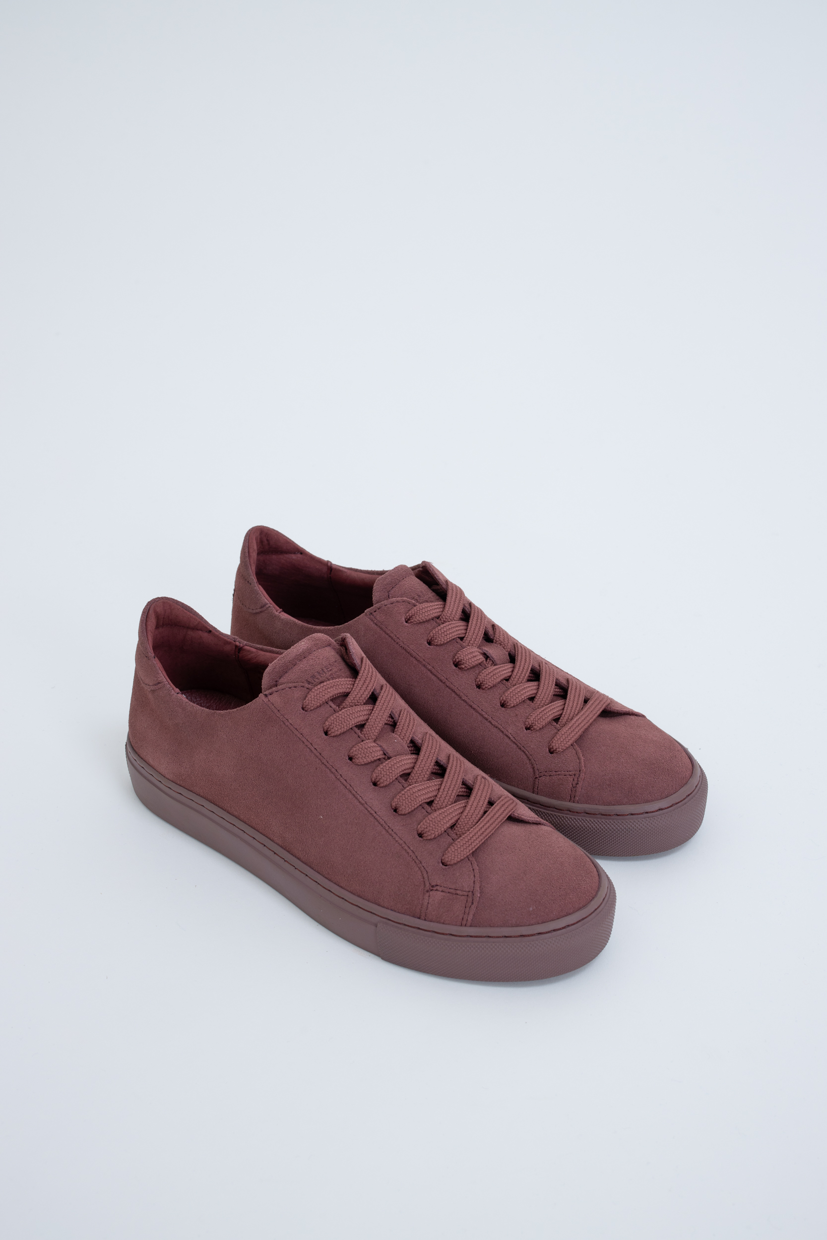 Sneaker Type Burgundy