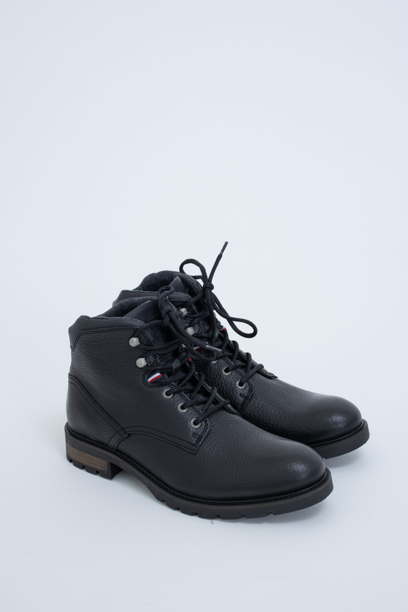 Boots Tumble